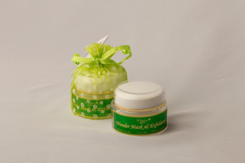 WONDER MASK AND EXFOLIATOR